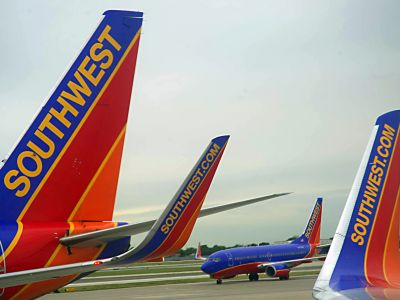 Southwest Airlines passenger planes are seen at Chicago's Midway Airport in Illnois May 31, 2012. (AFP Photo / Karen BLEIER)
