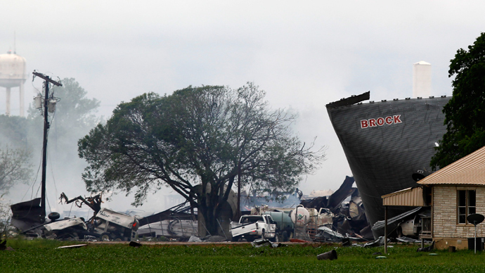 The remains of a fertilizer plant smolder after a massive explosion in the town of West, near Waco, Texas April 18, 2013 (Reuters / Mike Stone)