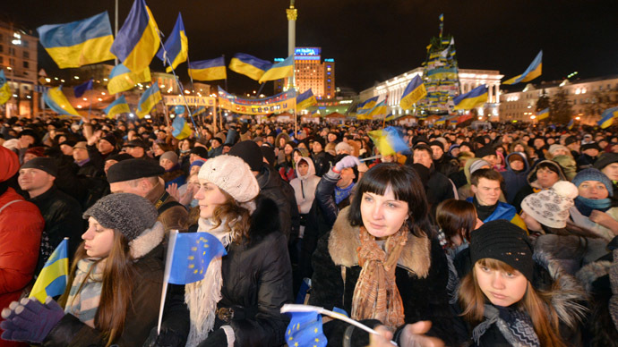 Protesters take part in a rally of the opposition on the Independence Square in Kiev on December 6, 2013. (AFP Photo/Sergei Supinsky)