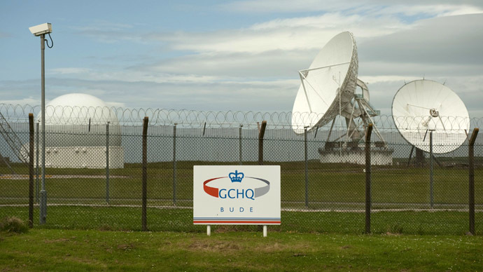 Satellite dishes are seen at GCHQ's outpost at Bude, close to where trans-Atlantic fibre-optic cables come ashore in Cornwall, southwest England (Reuters/Kieran Doherty)
