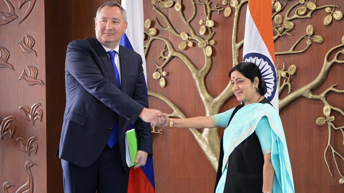 Russian Deputy Prime Minister Dmitry Rogozin during a meeting with Indian External Affairs Minister Sujatha Singh during the former's working visit to India. (RIA Novosti / Sergey Mamontov)