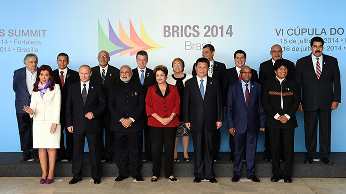 Family photo of the BRICS-UNASUR Summit in Brasilia, on July 16, 2014. (AFP Photo / Evaristo Sa)