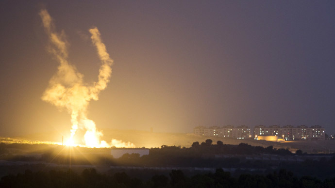 An Israeli rocket is fired into the northern Gaza Strip July 17, 2014. (Reuters/Amir Cohen)
