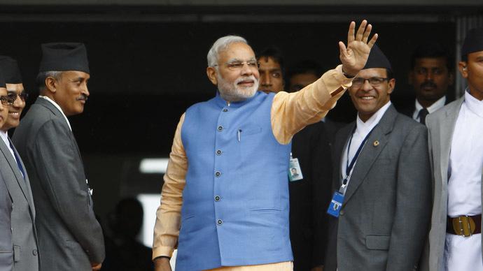 India's Prime Minister Narendra Modi (C) (Reuters/Navesh Chitrakar)