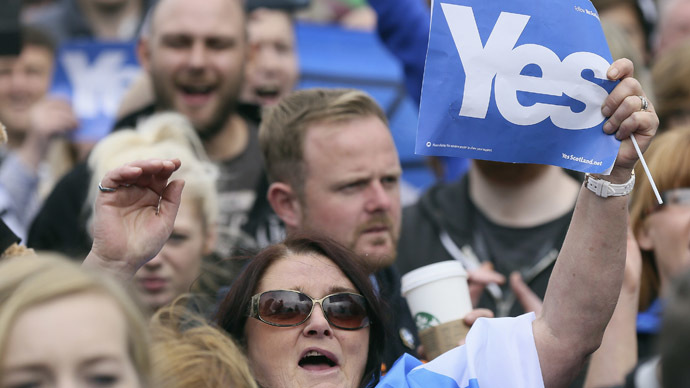 "'Clear split: Scottish support ""YES"" campaign, UK media ""NO"" movement'"