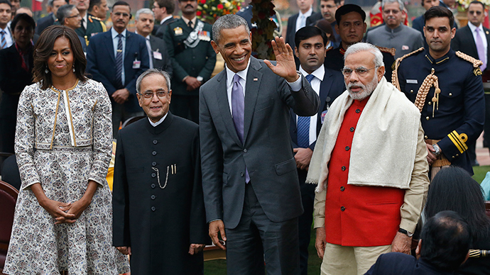 U.S. President Barack Obama and first lady Michelle Obama pose with India's President Pranab Mukherjee (2nd L) and Prime Minister Narendra Modi (R) during a home reception with several hundred Indian political and cultural figures at the Rashtrapati Bhavan presidential palace in New Delhi January 26, 2015 (Reuters / Jim Bourg)