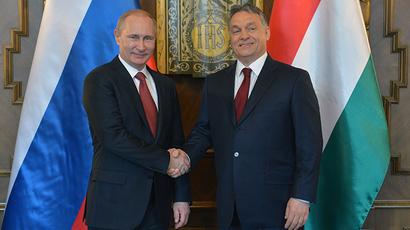 President Vladimir Putin (L) and Hungarian Prime Minister Viktor Orban meet in Budapest February 17, 2015. (RIA Novosti / Alexei Druzhinin)
