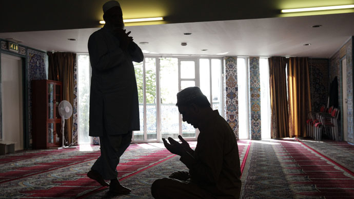 Muslim men pray at the World Islamic Mission Mosque in Oslo (Reuters/Cathal McNaughton)