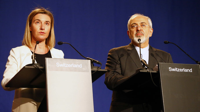 EU foreign policy chief Federica Mogherini addresses during a joint statement with Iran's Foreign Minister Javad Zarif (R) in Lausanne April 2, 2015. (Reuters/Ruben Sprich)