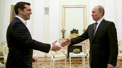 Russian President Vladimir Putin (R) shakes hands with Greek Prime Minister Alexis Tsipras during a meeting at the Kremlin in Moscow, April 8, 2015. (Reuters / Alexander Zemlianichenko / Pool)