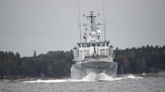 "The Swedish minesweeper HMS Kullen is seen in the search for suspected ""foreign underwater activity"" at Namdo Bay, Stockholm October 21, 2014. (Reuters/Fredrik Sandberg/TT News Agency)"