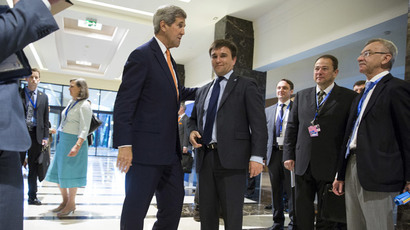 U.S. Secretary of State John Kerry (L) meets with Ukrainian Foreign Minister Pavlo Klimkin during the NATO Foreign Minister's Meeting in Antalya, Turkey May 13, 2015. (Reuters / Joshua Roberts)