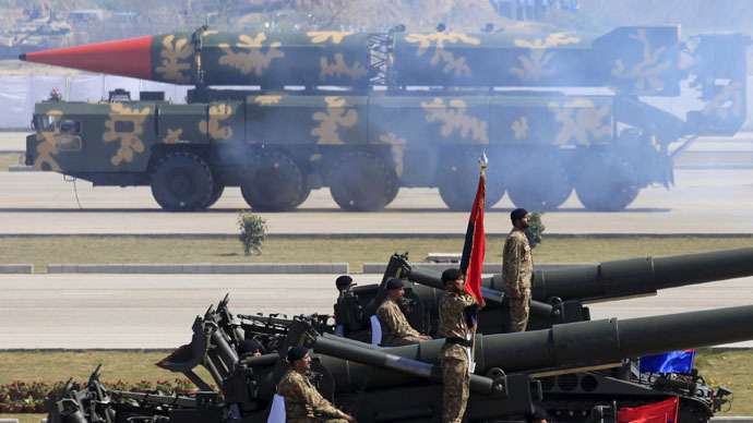 A Hatf-VI (Shaheen-II) missile (background) is displayed during the Pakistan Day parade in Islamabad March 23, 2015. (Reuters)