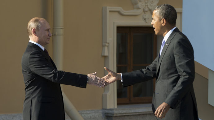 U.S. President Barack Obama (R) and Russia's President Vladimir Putin (Reuters/Pablo Martinez Monsivais)