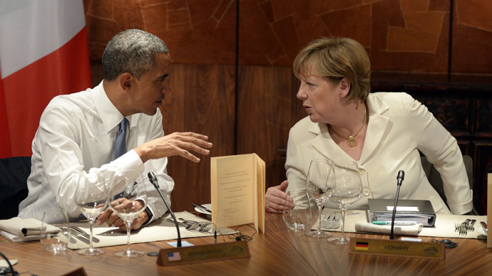 U.S. President Barack Obama and Germany's Chancellor Angela Merkel attend a working dinner at a G7 summit at the hotel castle Elmau in Kruen, Germany, June 7, 2015. (Reuters/Robert Michael)