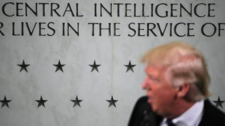 La communauté du renseignement fait tout ce qu'elle peut pour renverser Donald Trump selon Dennis Kucinich