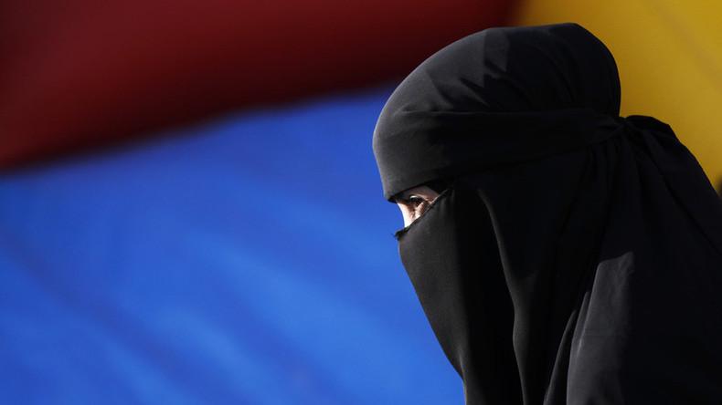 Interdire la burqa ? Un canton suisse vote massivement pour