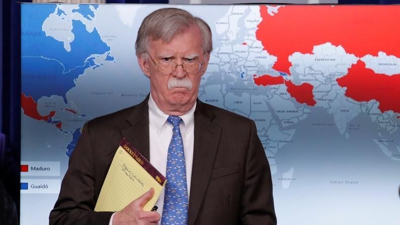 John Bolton menace l'Inde, qu'il soupçonne de vouloir rompre le blocus pétrolier contre le Venezuela