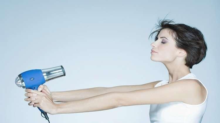 دراسة مثيرة تكشف مجفف الشعر