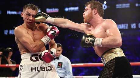 ألفاريز يطيح بغولوفكين ويتربع على عرش الملاكمة العالمية