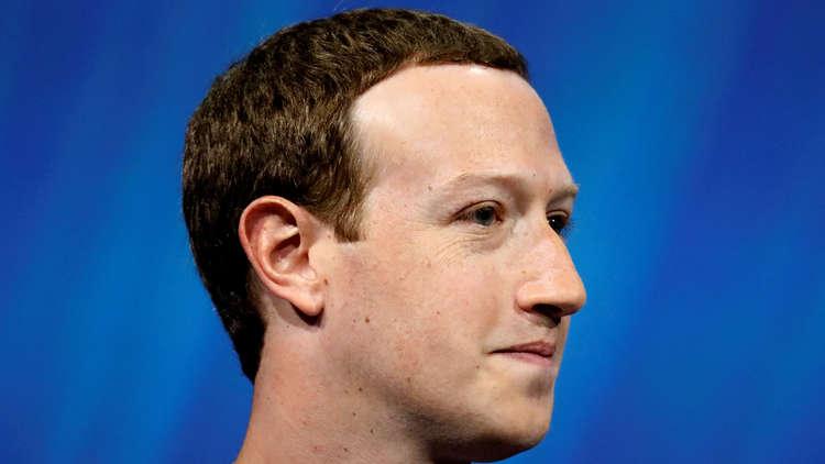 انقلاب على مؤسس فيسبوك زوكربيرغ
