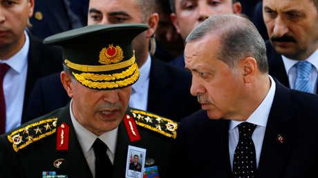 صورة من سوريا تثير امتعاض وزير الدفاع التركي