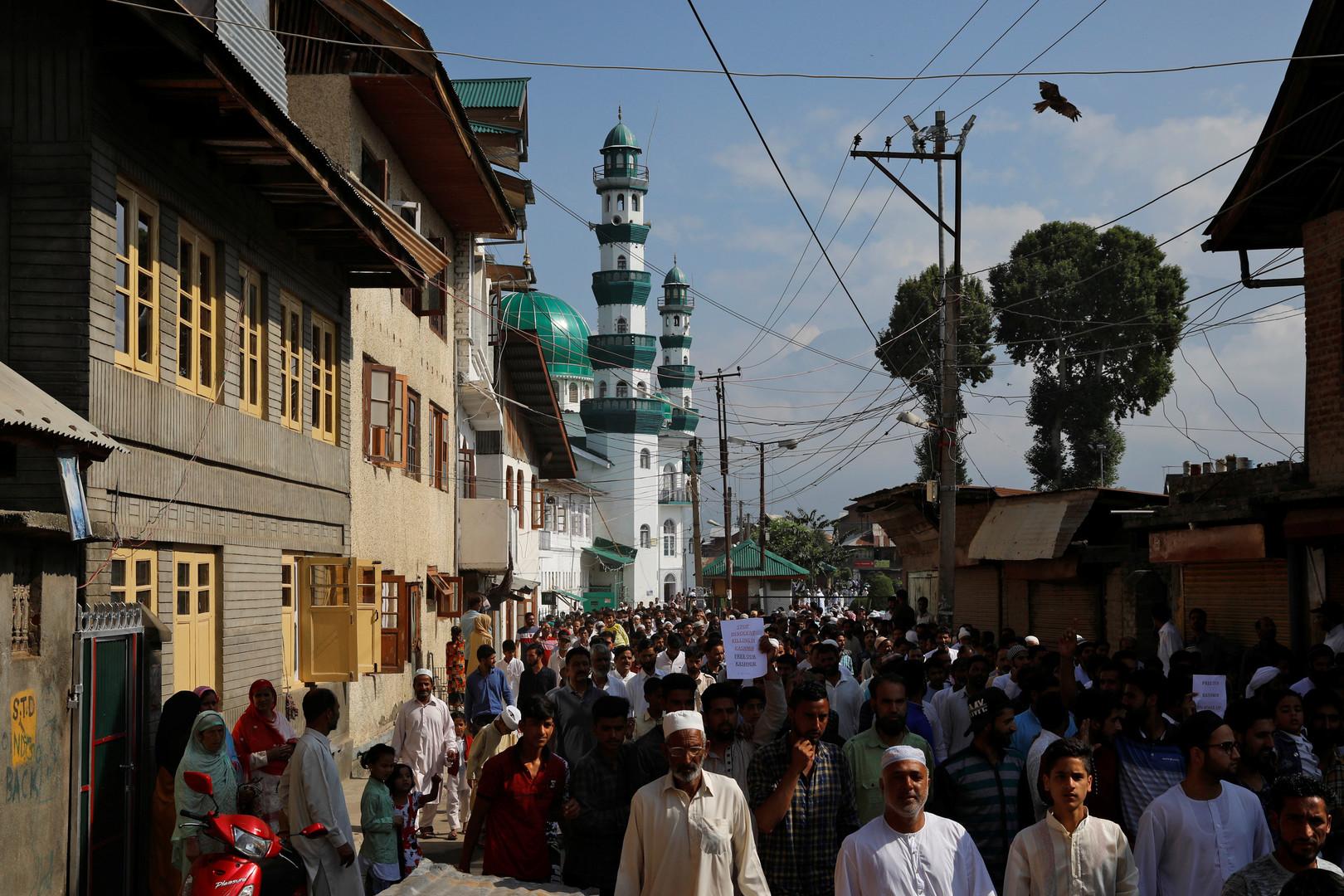 إيران توجه طلبا للسلطات الهندية نصرة للمسلمين في كشمير!