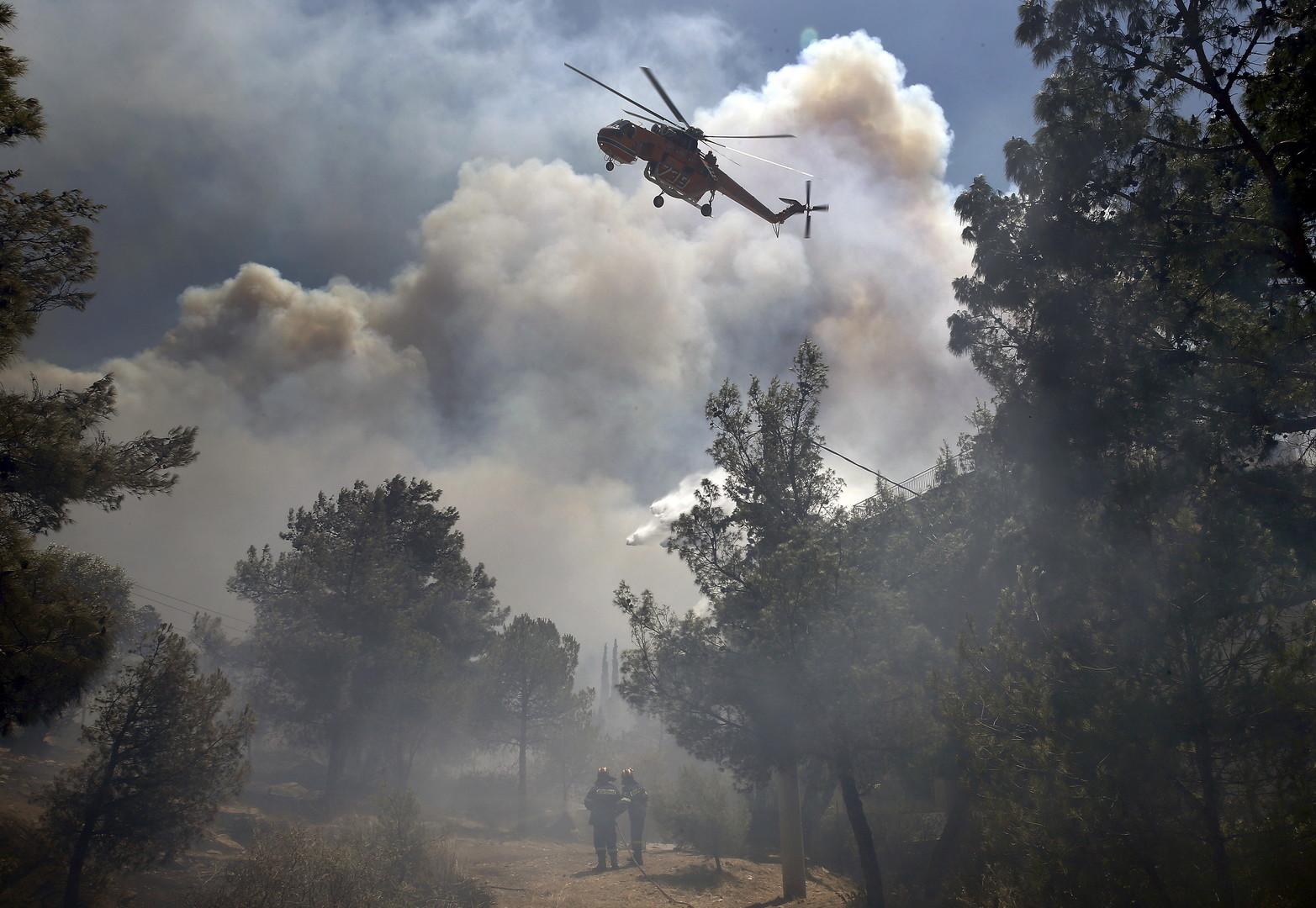 حرائق جهنمية تلتهم غابات ثاني أكبر جزيرة في اليونان