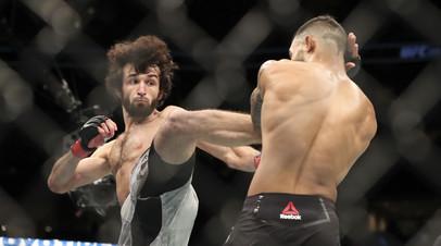 Российский боец UFC Магомедшарипов получил травму в поединке с Дэвисом