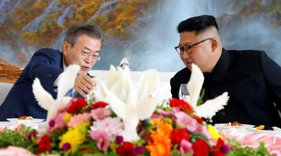 Ким Чен Ын угостил Мун Чжэ Ина супом с гречневой лапшой
