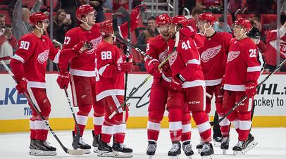 «Детройт» в овертайме обыграл «Бостон» в предсезонном матче НХЛ благодаря шайбе Свечникова