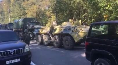 Военная техника около колледжа в Керчи, где произошла стрельба — видео