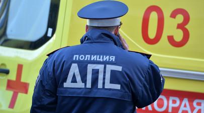 В Екатеринбурге водитель автомобиля сбил на тротуаре троих пешеходов