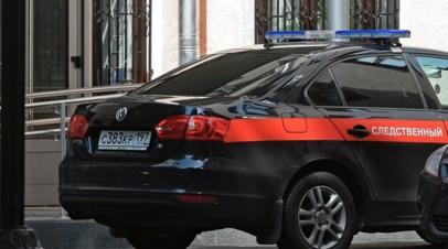 В Омске проводят проверку из-за падения пассажирки с ребёнком из дверей автобуса
