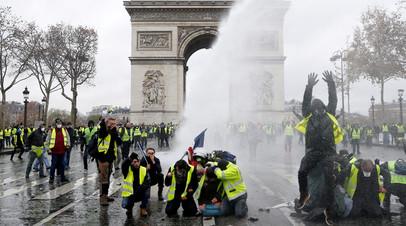 Почти 140 человек предстанут перед судом из-за беспорядков в Париже