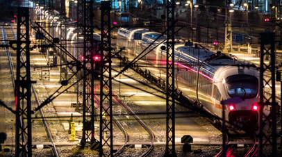 В ФРГ прекращено движение дальних поездов из-за забастовки