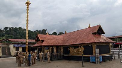 В Индии женщины смогли попасть в храм после создания живой стены длиной 620 км