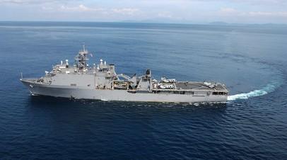 Сторожевой корабль «Пытливый» контролирует действия USS Fort McHenry в Чёрном море