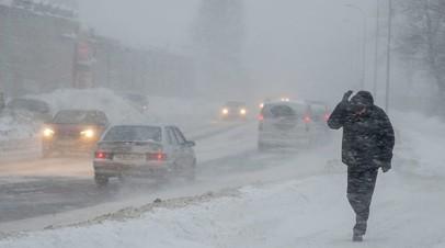 В Оренбургской области ввели режим повышенной готовности из-за сильного ветра и снегопада