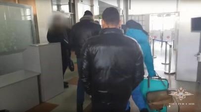 Видео задержания владельца приюта «Дружок» в Приамурье, где погибли 47 собак