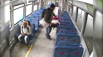 Поезд ушёл: в США мужчина оставил младенца в вагоне без присмотра и не успел вернуться
