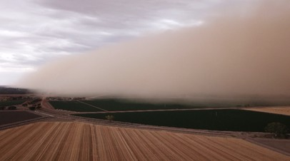 По юго-востоку Австралии пронеслась песчаная буря