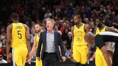 НБА оштрафовала главного тренера «Голден Стэйт» за оскорбление арбитра