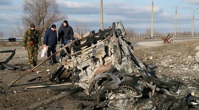 Опубликовано видео с места взрыва машины на КПП «Еленовка» в Донбассе
