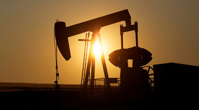 Россия в феврале снизила добычу нефти на 97 тысяч баррелей в сутки к октябрю