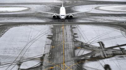 Летевшие в Пулково самолёты ушли на запасные аэродромы из-за метели