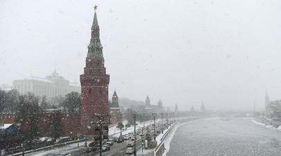 В Москве призвали не парковать машины у деревьев из-за непогоды