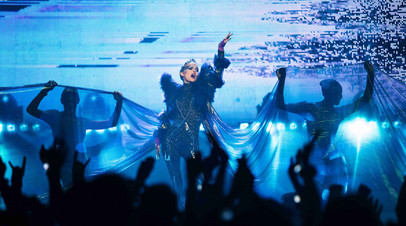 Натали Портман в роли певицы и Джуд Лоу в амплуа воина: что смотреть в кино в выходные